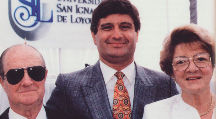 raul-diez-canseco-con-sus-padres