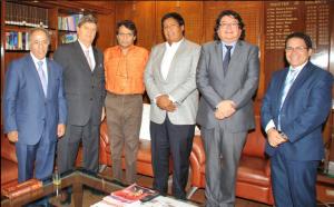 Raul Diez Canseco con ministro de la India