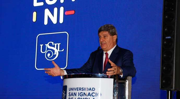 presentacion-alumni-usil-raul-diez-canseco-1