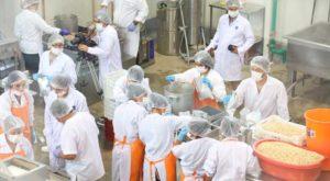 usil-dona-alimentos-para-damnificados-de-huaicos-2