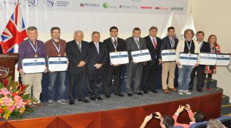 Premian a emprendedores del año 2014 en la USIL