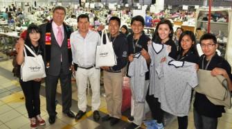 Emotivo encuentro entre emprendedores: Topitop felicitó a estudiantes de Beca 18 de USIL que trabajaron en Disney