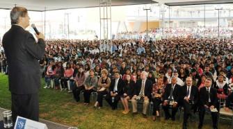 USIL dio bienvenida a dos mil jóvenes de Beca 18