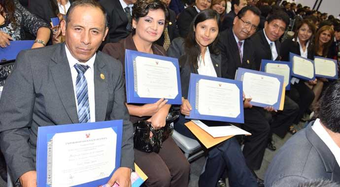 graduacion-maestria-docente-usil2