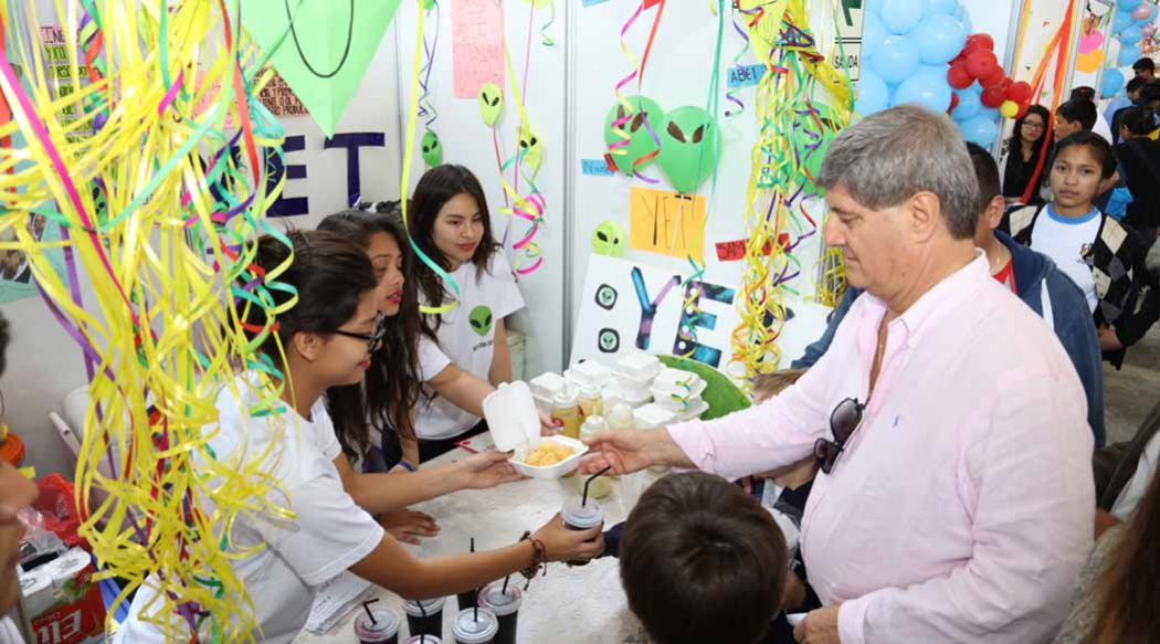 http://www.rauldiezcansecoterry.com/wp-content/uploads/2016/09/expoventa-lima-norte-1-1050x583.jpg