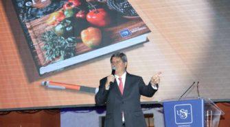 """USIL presentó en Arequipa el libro """"Su majestad el rocoto"""""""