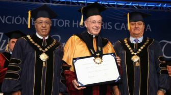 USIL distinguió como Doctor Honoris Causa al cardenal Juan Luis Cipriani