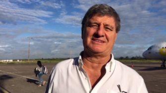 """Raúl Diez Canseco en Iquitos: """"Estoy aquí para promover a los alumnos de Beca 18"""""""