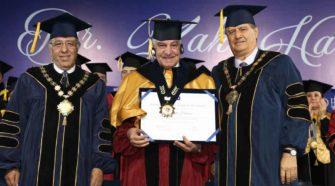USIL distinguió como doctor honoris causa al reconocido egiptólogo Zahi Hawass