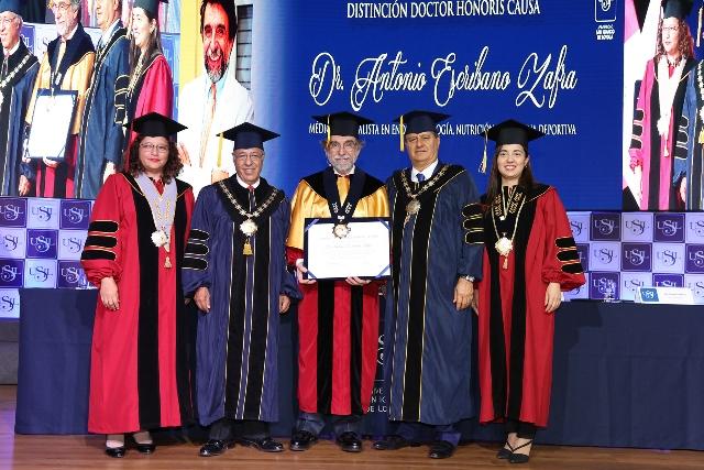 http://www.rauldiezcansecoterry.com/wp-content/uploads/2017/12/honoris-causa-escribano.jpg